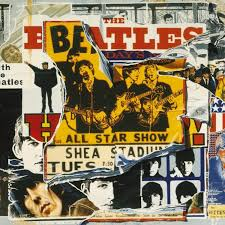 Copertina di uno dei cd dell'Anthology. Collage con Beatles per soggetto.
