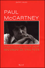Copertinadi Many Years From Now. Primo piano di Paul Mccartney. edizione rizzoli.