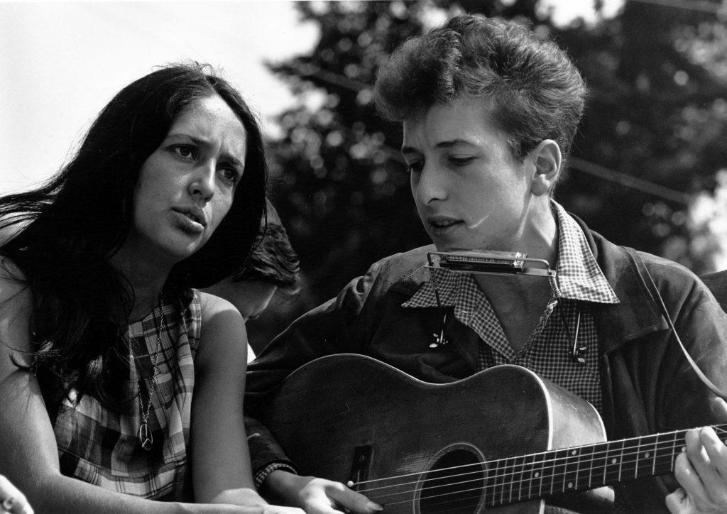 Fotografia di Bob Dylan e Joan Baez